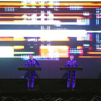 Kraftwerk autobahn Planet Rock electro cold play machine allemand