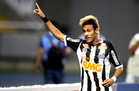 """One day, two goals: Neymar en Ronaldinho geven masterclass in """"de beste wedstrijd die niemand zag"""""""