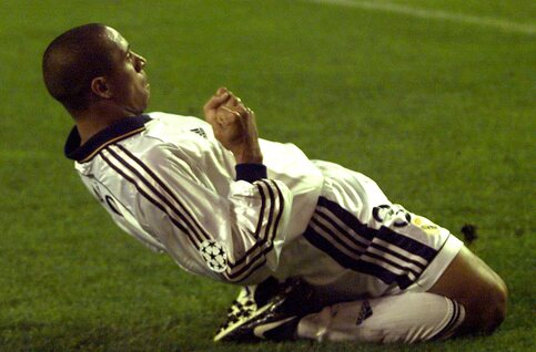 One day, one goal : Roberto Carlos trouve encore un angle impossible