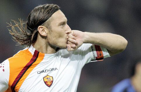 One day, one goal: Totti legt Giuseppe Meazza het zwijgen op