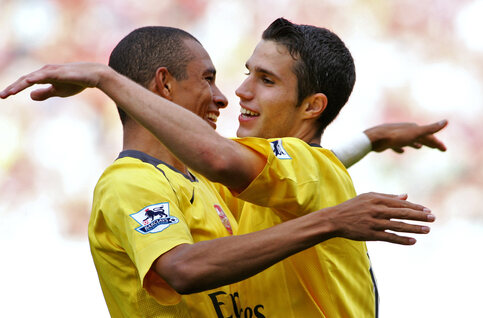 One day, one goal: Robin van Persie scoort zijn 'mooiste goal ooit' voor Arsenal
