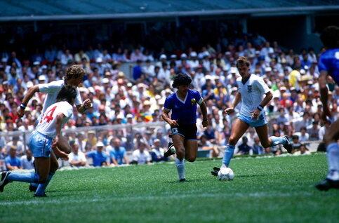 One day, two goals: Maradona ontbindt zijn goddelijke duivels tegen Engeland