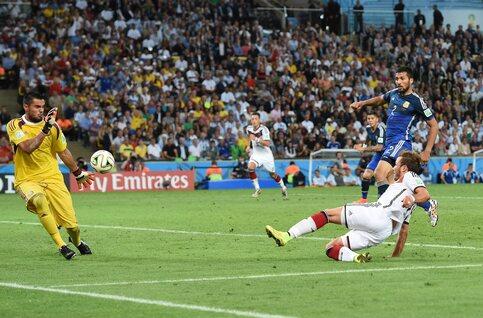 One day one goal: Götze terrasse l'Argentine en finale