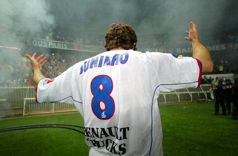 One day, one goal: Juninho manque d'envoyer Oliver Kahn à l'hôpital