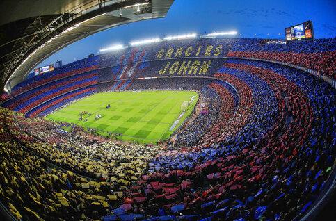 Camp Nou, de voetbaltempel waar Johan Cruijff en Lionel Messi voetbalgeschiedenis schreven