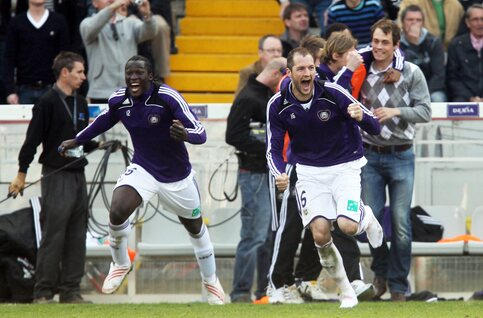 Anderlecht pakt 30ste landstitel in eerste seizoen met play-offs