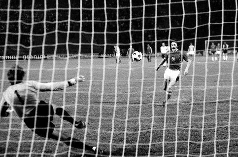 One day, one goal: Antonin Panenka surprend le monde entier avec son penalty