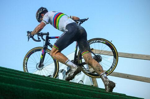 Le cyclocross, un vrai parcours d'obstacles !