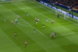 Penalty: Atlético Madrid 1 - 0 Lokomotiv Moskva 17', Joao Felix