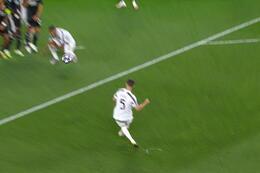 Penalty: Juventus Turin 1 - 1 Lyon 43' Ronaldo