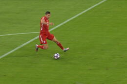 Goal: Bayern Munich 1 - 0 Chelsea 10', Lewandowski
