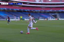 Goal: FC Barcelone 0 - 1 Bayern Munich 4' Muller