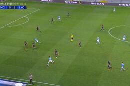 Goal: Manchester City 1 - 1 Lyon 69' De Bruyne