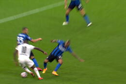 Penalty: Inter Milaan 1 - 1 Borussia M'Gladbach 63' Bensebaini