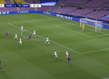 Goal: FC Barcelone 2 - 0 Naples 23' Messi
