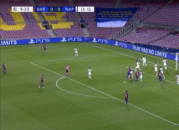 Goal: FC Barcelone 1 - 0 Naples 10' Lenglet