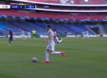 Goal: FC Barcelona 0 - 1 Bayern München 4' Muller