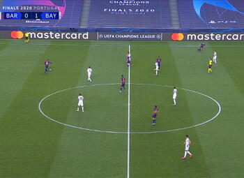 Own Goal: FC Barcelone 1 - 1 Bayern Munich 7' Alaba