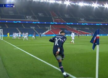 Own Goal: Paris SG 1 - 1 Manchester United 55', Martial