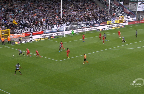 Goal: Charleroi 1 - 0 Royal Antwerp 61', Fall