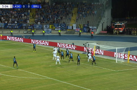 Linz ASK - FC Bruges : Saved by the wood!