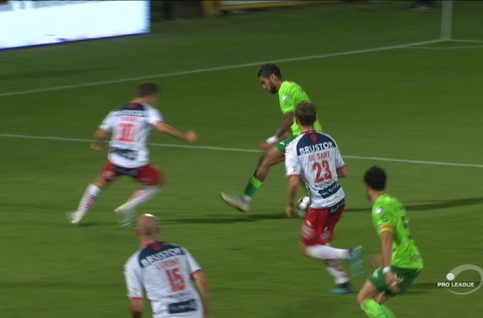 Penalty: Courtrai 2 - 2 Ostende 89' Skulason
