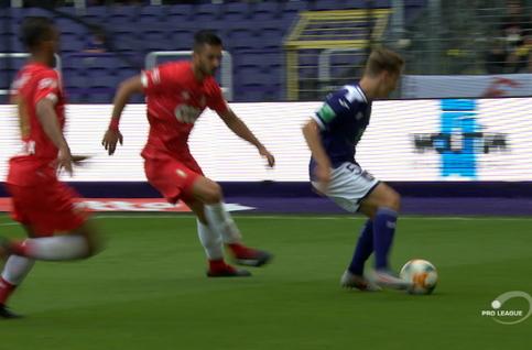Goal: Anderlecht 1 - 0 Standard 31' Saelemaekers