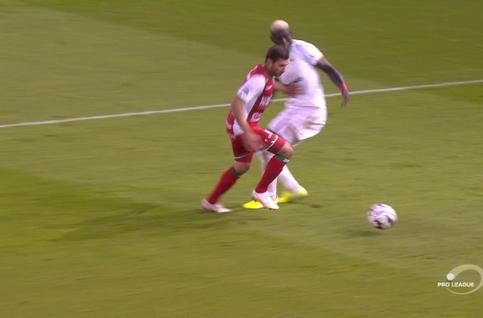 Penalty: SV Zulte Waregem 2 - 0 Royal Antwerp 44' De Fauw
