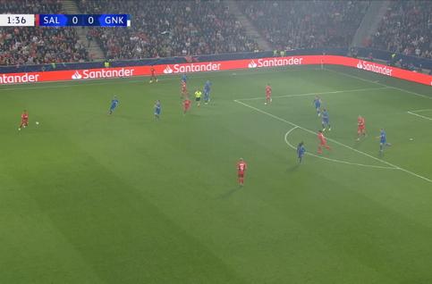 Goal: Red Bull Salzbourg 1 - 0 Genk 2', Haland