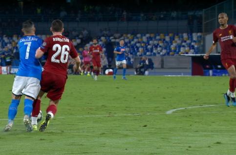 Penalty: SSC Napoli 1 - 0 Liverpool 81', Mertens