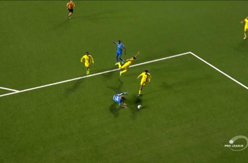Penalty: Saint-Trond 0 - 3 Genk 60', Hagi