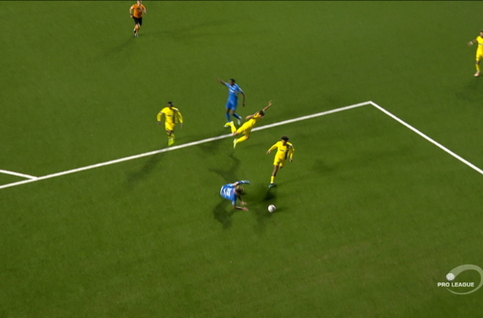 Penalty: STVV 0 - 3 KRC Genk 60', Hagi